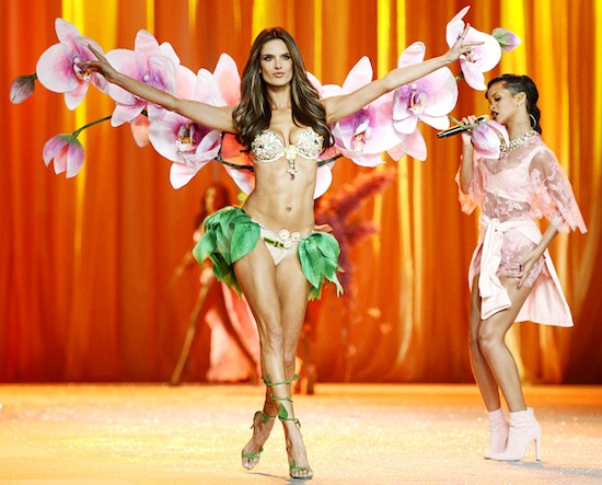 VICTORIA`S SECRET FASHION SHOW