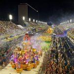 Carnaval de Río a puro brillo y fuego